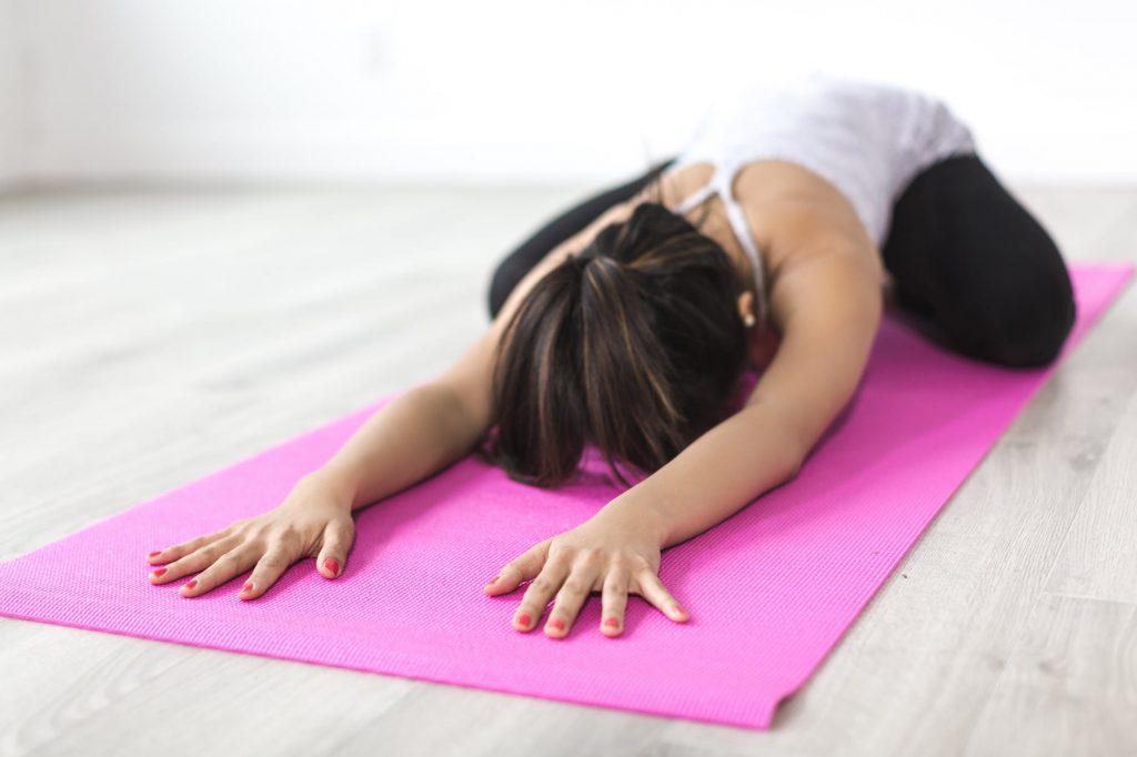 Ejercicio para estirar la espalda