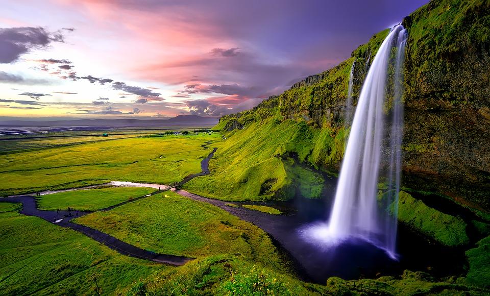 Cascada Seljalandsfoss. Islandia